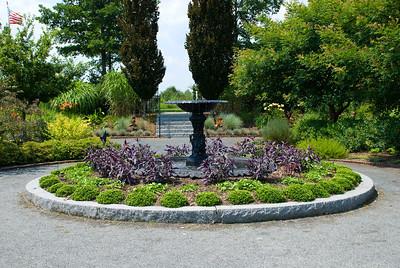 A smaller fountain.