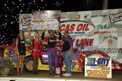 Billy Moyer in Victory Lane
