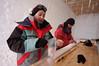 Dorthe and Valerie packing ice cores. <br /> <br /> Dorthe and Valerie pakker borekerner.