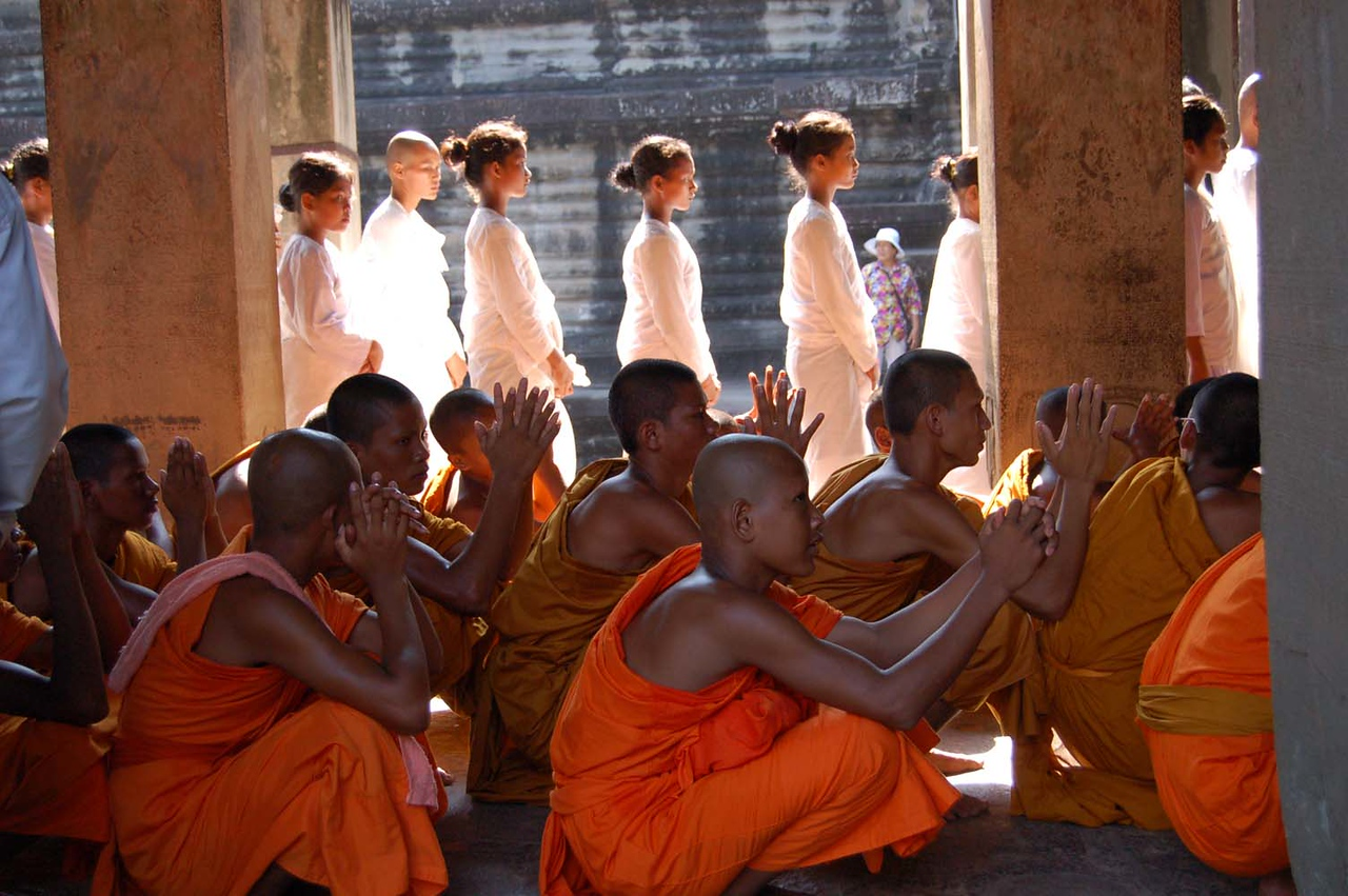 47 angkor monks