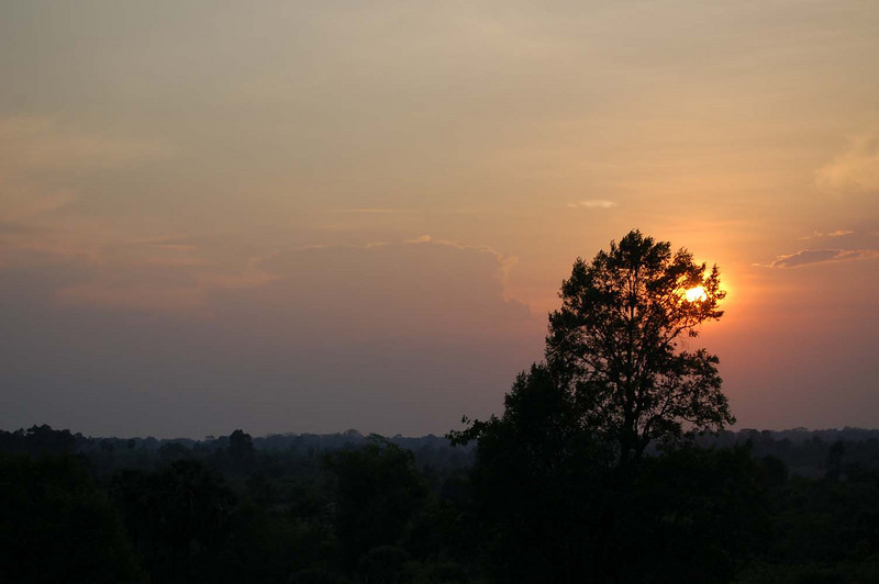 46 angkor sunset