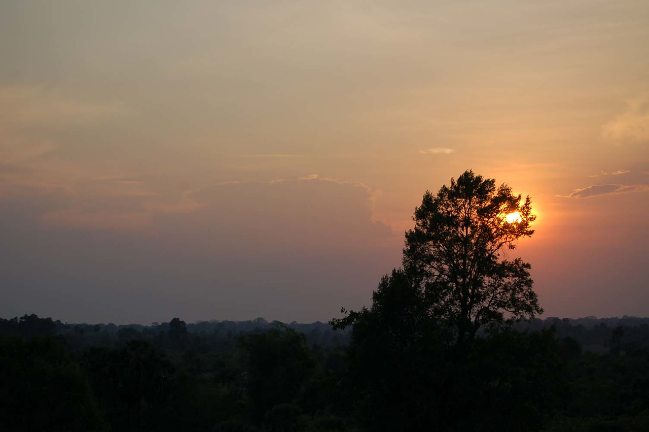 46 angkor sunset