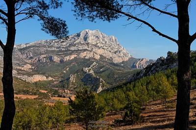 Ste Victoire et Roques Hautes