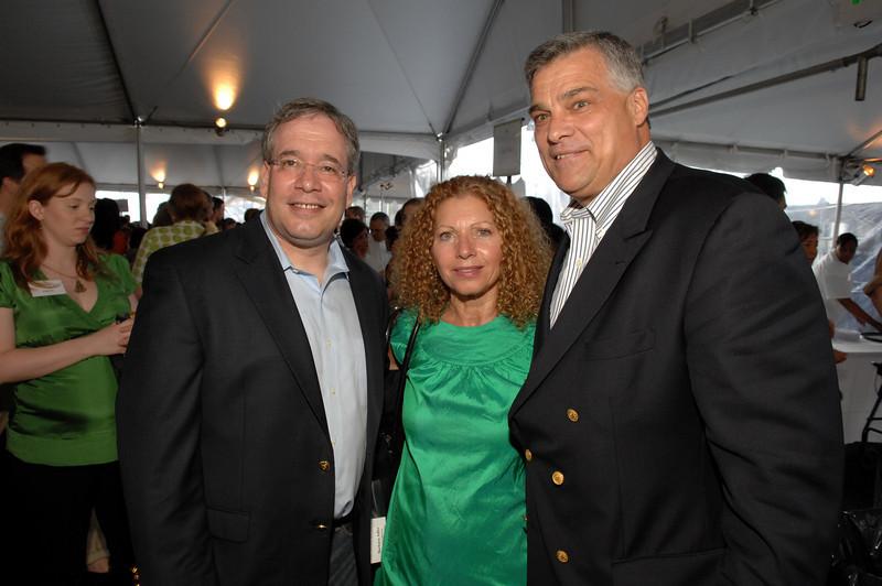 Manhattan Borough President, Scott Stringer, Columbus Avenue BID Executive Director, Barbara Adler, Doug Griebel, President of the Columbus Avenue BID