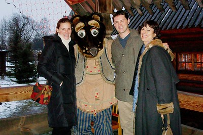 The Bear Speaks English! Tom and Jenny Rowland and Barbara Martin - Liz Greenberg