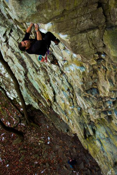 Kelsey leads the 5.11b <i>Lounge Lizard</i>.