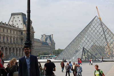 Jon at the Louvre