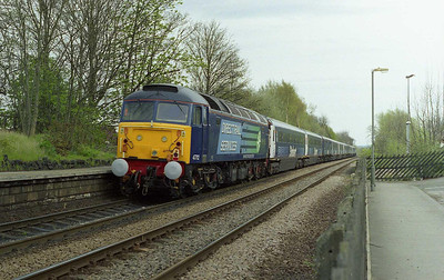 A final look at the 'Stobart Pullman' for today as 47712 brings up the rear of 1Z49 1449 York-Kings Cross at Woodlesford (26/04/2008)