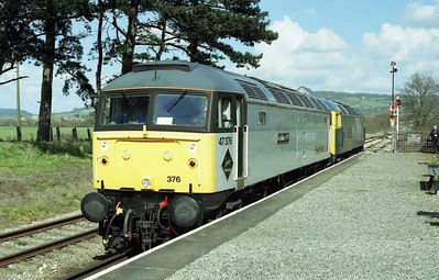 47376+47105 run round at Cheltenham Race Course after working the 1415 from Toddington. The service had been used as a 'test run' for the former Frieghtliner machine after receiving repairs to leaking cylinder liners (30/03/2008)