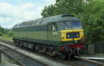 47004 is seen again at Embsay after working 1L07 1100 from Bolton Abbey. Note the subtle change in colour of the headcode panel since a similar photo on Friday (20/07/2008)