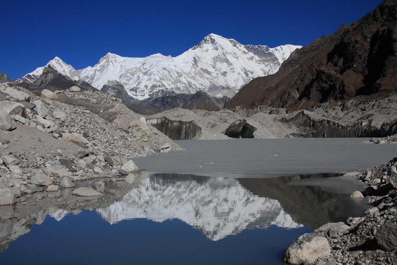 A view of Cho Oyu on route to Gokyo lakes