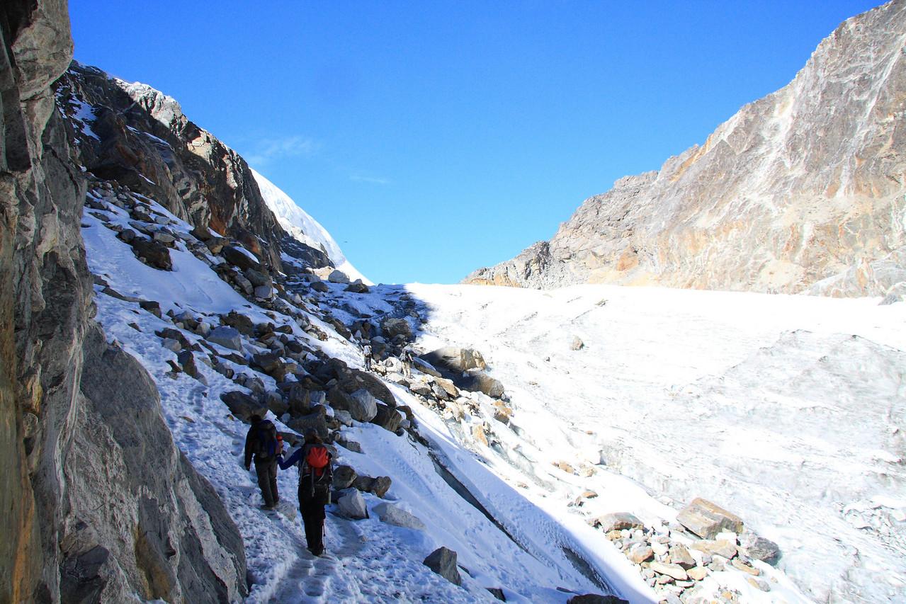 Near the top of Cho La pass. (5690m)