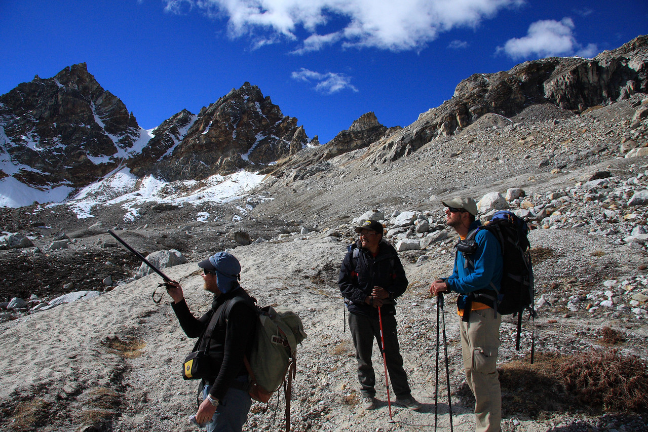 Pat, Zengbo, and Kenric on route up to Renjo La pass