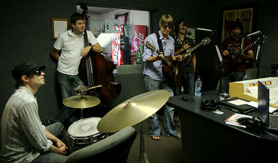 Yarn stops by the WGWG radio station to entertain and perform; September 05, 2008.