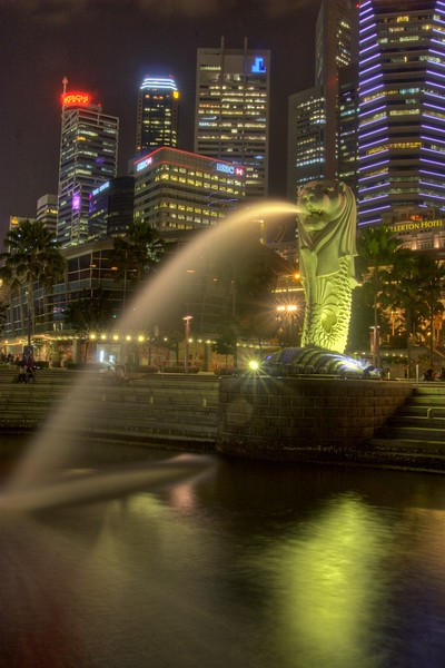 """One of Singapore's national symbols, the <a href=""""http://en.wikipedia.org/wiki/Merlion"""" title=""""Merlion - Wikipedia, the free encyclopedia"""">Merlion</a>. This statue is the principal and original representation, but there are a few others dotted around the island."""