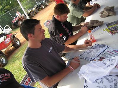 Billy Drake and Wayne Chinn sign autographs