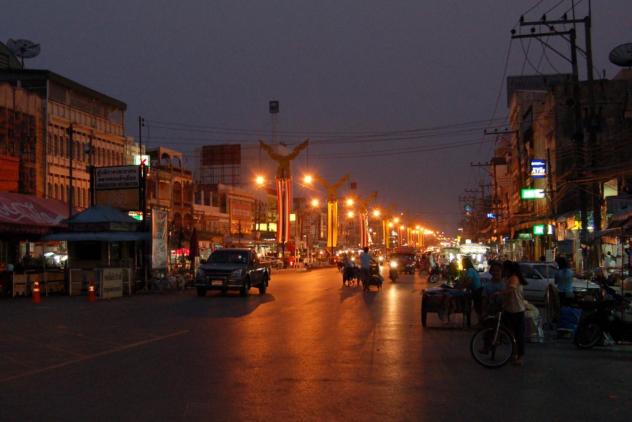 Mae Sai by night