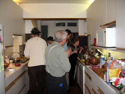 Dinner was hosted at the Mandell residence in Baltimore, where everyone pitched in.