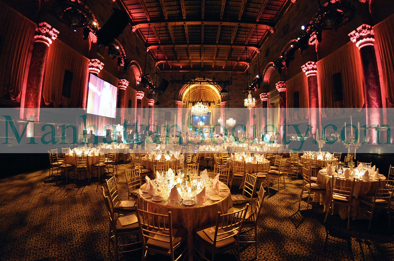 "NEW YORK-FEBRUARY 26: Guests attend The New York Junior League's 56th Annual Winter Ball: ""An Evening at Versailles"" to honor the 2008 Outstanding Sustainers and Volunteers at Cipriani 42nd Street, 110 East 42nd Street, New York City, NY on Monday, February 26, 2008 (Photo Credit: Gregory Partanio/ManhattanSociety.com)"