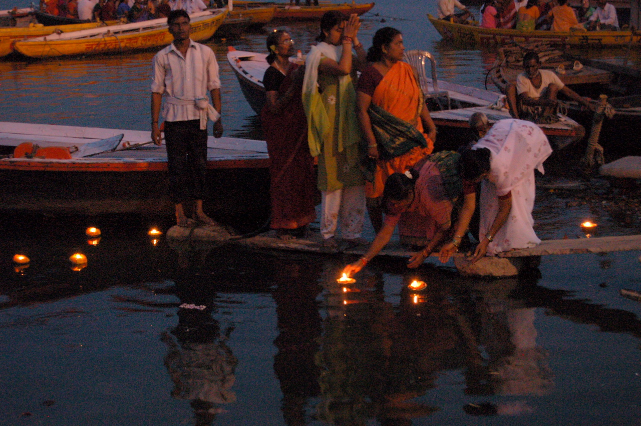 Floating the candles 2