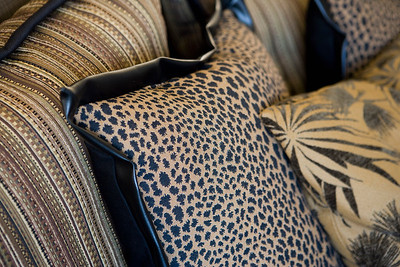 Detail cheetah print throw pillow