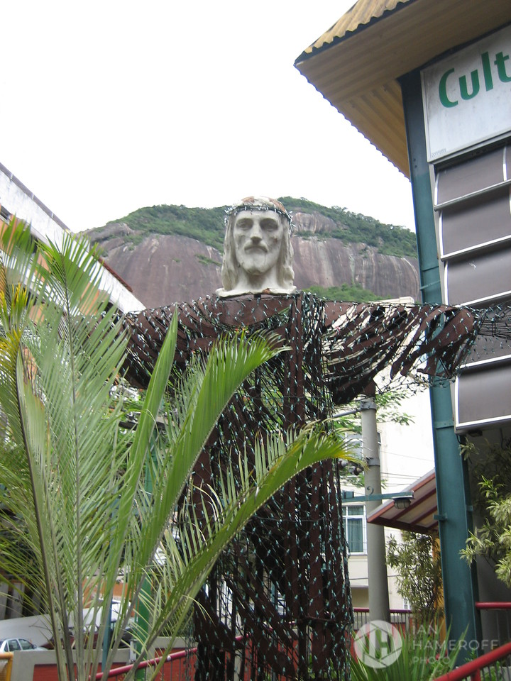 Cristo Redentor of the Train Station