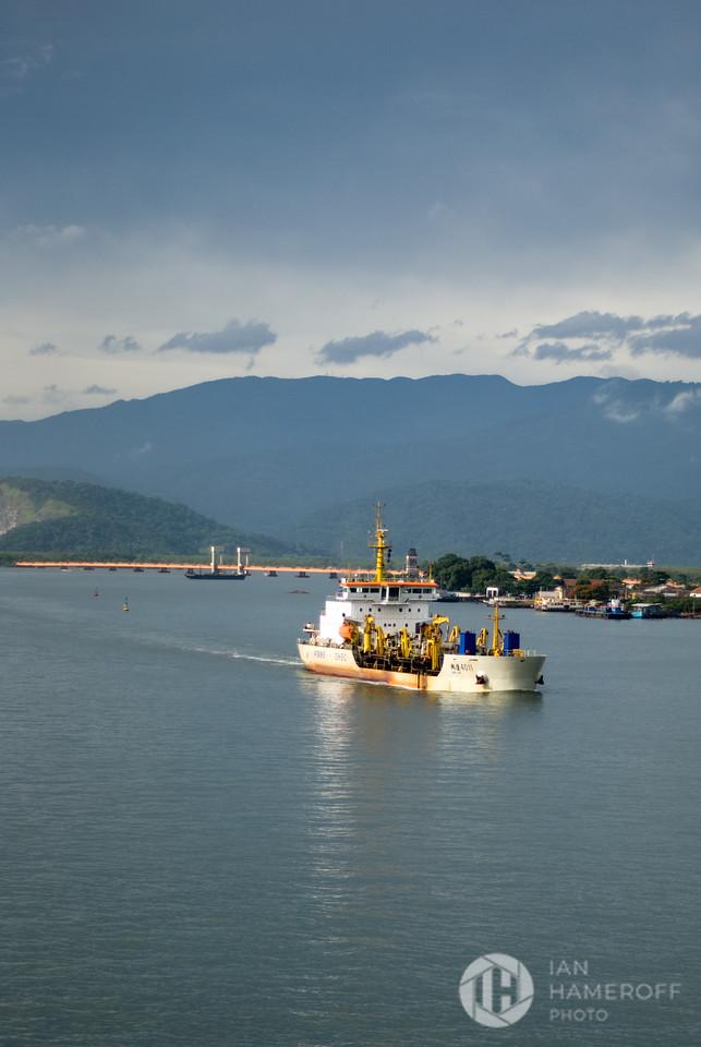 Santos Harbor
