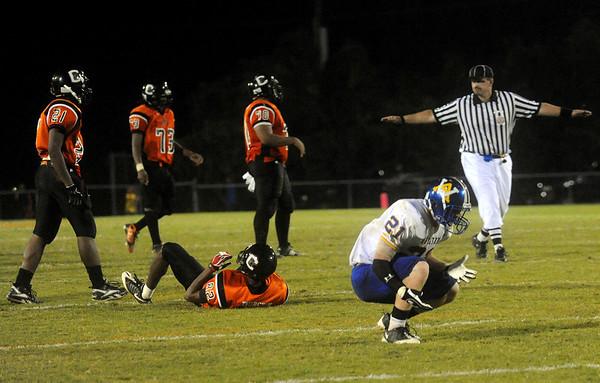 Western's Cody Davis (21) reacts to a missed interception. photo Ashley Twiggs