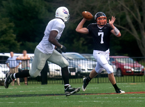 Oct. 3, 2009 - Woodberry's Robert Spilman (7) passes the ball during a game against FUMA. photo Ashley Twiggs