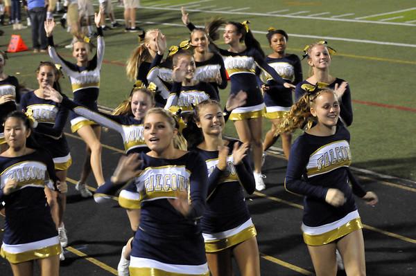 Cheerleaders/Football Team-Homecoming 2013