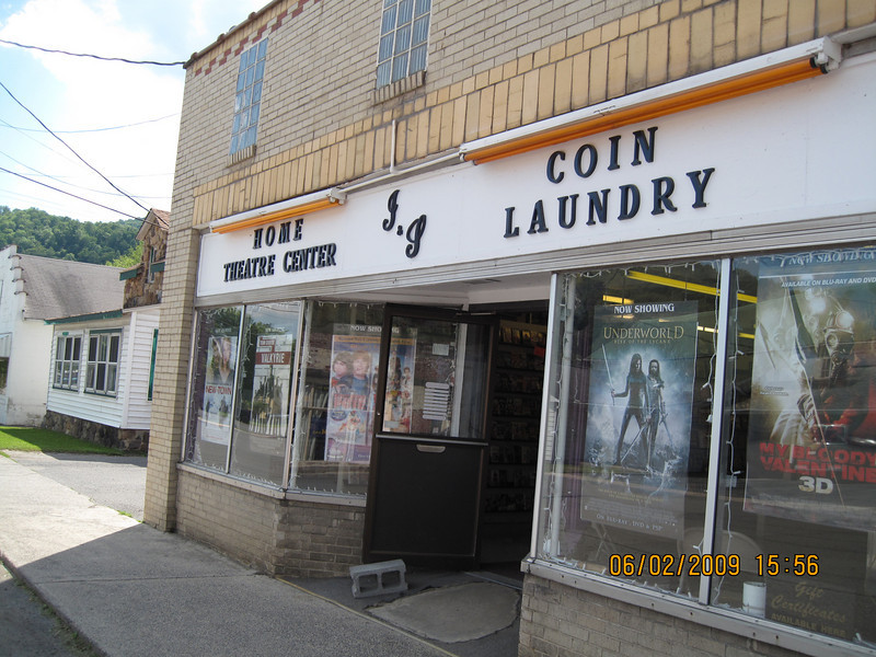 I asked one of the locals at Marlinton if there was a laundromat around, and she pointed me to the video store.  Hmmmmm....