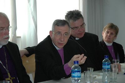 ELCJHL Bishop Munib Younan, makes a point in a meeting with Palestinian Christian leaders Jan. 13 in Ramallah.  With Younan are, from left, ELCA Presiding Bishop Mark Hanson; Bishop Michael Pryse, ELCIC Eastern Synod and Bishop Margaret Payne, ELCA New England Synod.