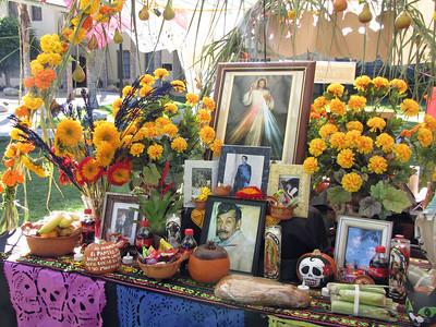 11-01-09 Dia de los Muertos Altars