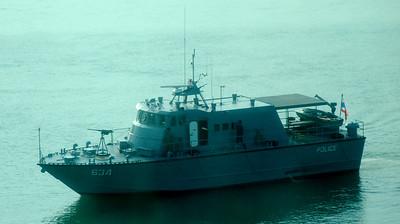 2009 0415 Disembarking