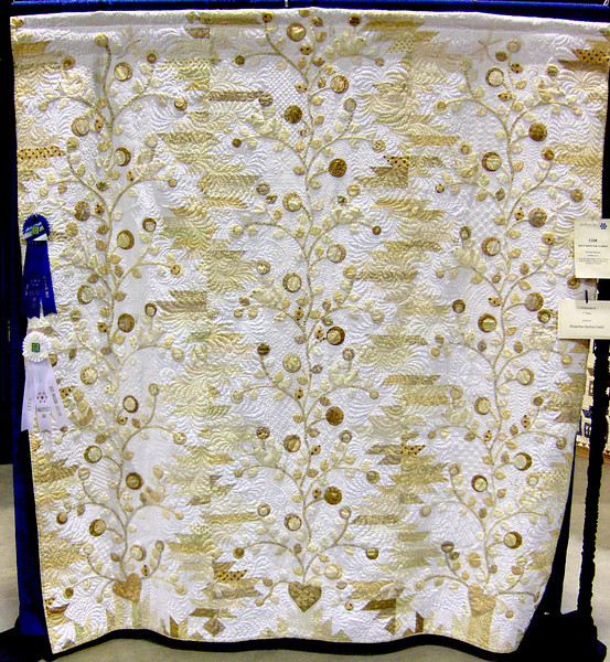 Best Machine Quilting<br /> Misty Mountain Flowers<br /> Barbara Meunier
