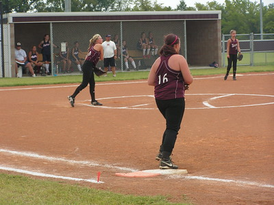 PICT4157 Pitcher Maranda Stanton throwing to 2nd While 1st base Cassandra parmenter #5 Andi Ladd 3rd base watch