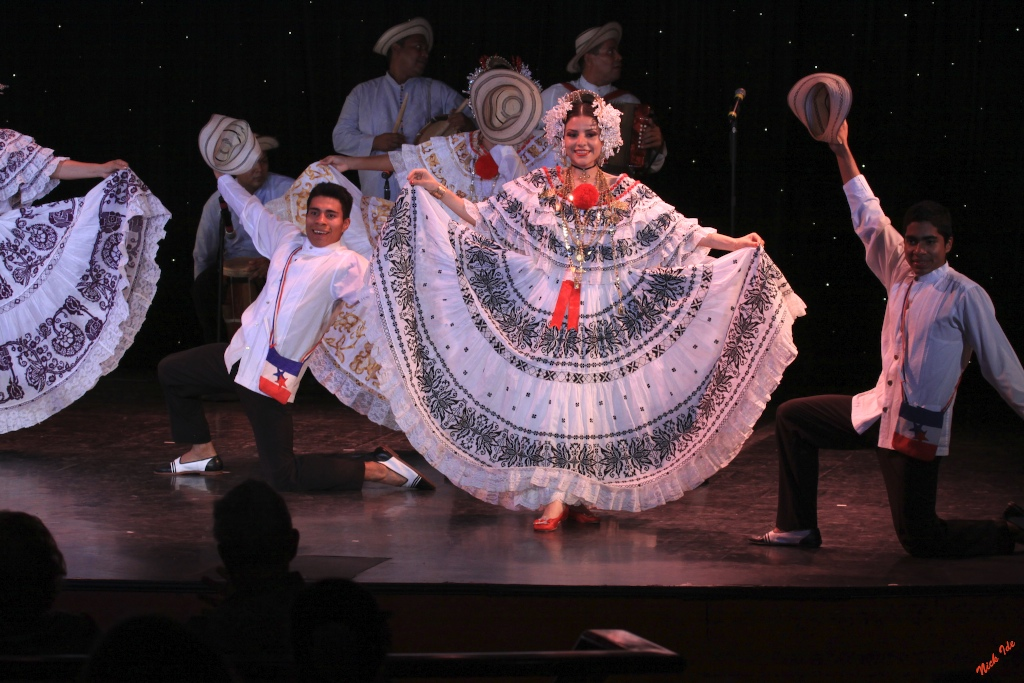 Panamanian dancers entertain on board the Prinsendam as we transit the Canal.