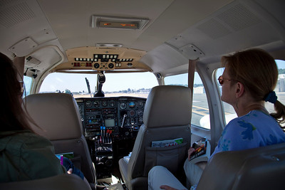 A look forward in our plane from Seattle to Orcus Island...