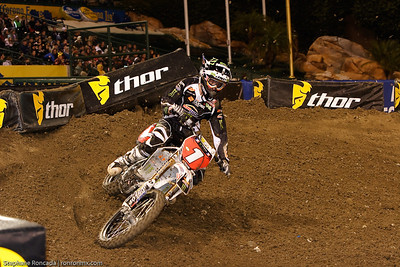 anaheim1_lites_mainevent36