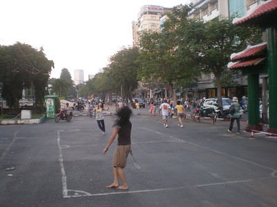 Park and Market on Cong Quynh
