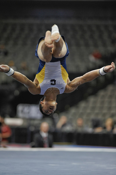 2009 Visa Championship:  Men Competition (Aug. 12th - 15th) <br /> #34 Glen Ishino of Cal Berkeley in action at the American Airlines Center in Dallas, Texas.