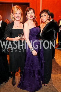 Leslie Clevenger, Adrienne Arsht, Lea Pedas. Harman Center for the Arts Annual Gala. October 25, 2009. photos by Tony Powell