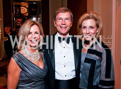 "Susan Bennett, Richard Thompson, Katherine Bradley. Joan Hisaoka ""Make a Difference"" Gala. Mandarin Oriental Hotel. October 24, 2009. photos by Tony Powell"