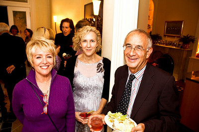 Linda Douglass, Mary Dickie, Peter Hart. Goodbye Summer, Hello Fall. September 12, 2009. Photos by Betsy Spruill Clarke.