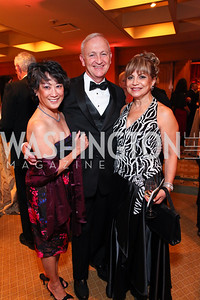 Janet and Bob Sloan, Annie Totah. Sibley Hospital Hope & Progress Gala. Four Seasons Hotel. November 7, 2009. photos by Tony Powell