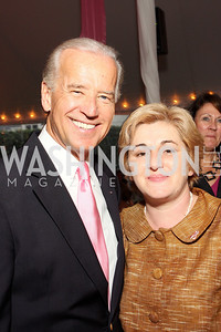 Joe Biden with a breast cancer survivor from Bosnia and Herzegovina