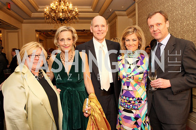 Gloria Dittus, Patricia Angle, Jim Valentine, Laurie Luhn, Hugo Gordon Photo by Tony Powell