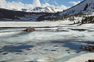 Elizaberth Lake at 9400 feet. Looking south.