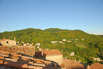 Over the rooftops of Roccatederighi