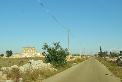 The road to Lecce from our hotel in Acaya/Acaja/Acaia... they can't decide, aparently.